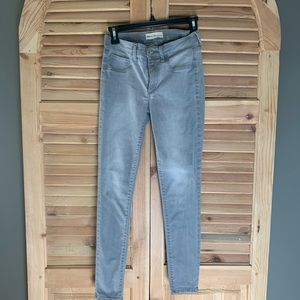 Grey Gap Jegging Jeans size 26